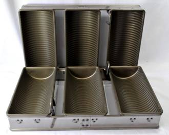 Tank Loaf Pan (Set of 3) 229x102mm, Overall Size: 403x244x112mm