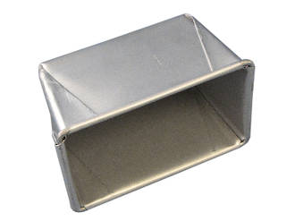 900gm Single Bread Pan - Top measure: 298x116mm, 110mm deep