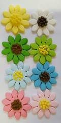 Mixed Daisys 30mm (Box 30)